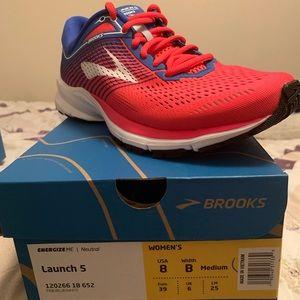 Women's Brooks Launch size 8